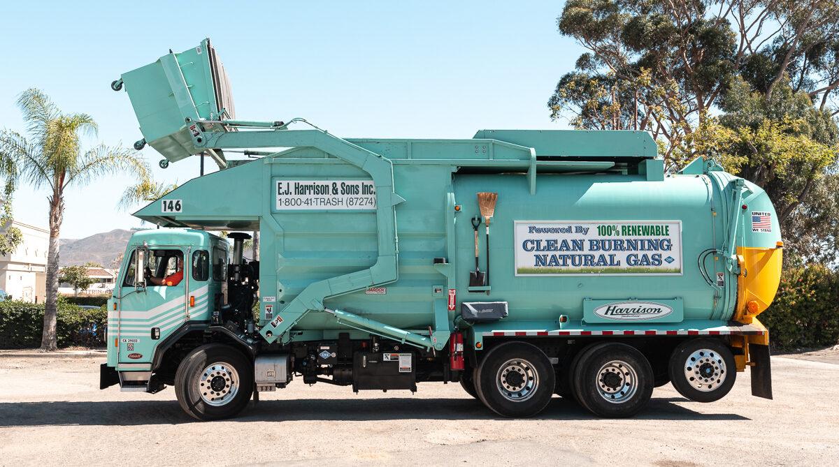 Commercial-Trash-Truck-EJ-Harrison-Industries-Trash-Hauler