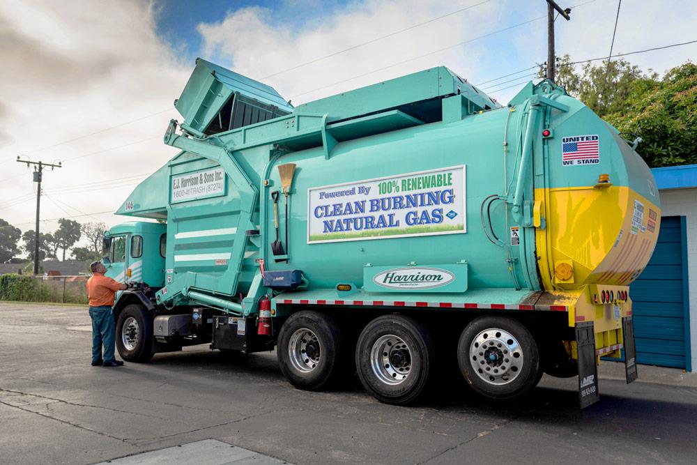 Clean-Burning-Natural-Gas-Trash-Truck-EJ-Harrison-Industires-Trash-Hauler