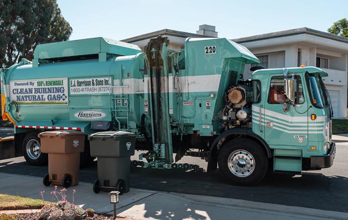 residential_trash_truck_ej_harrison_industries_trash_hauler_big